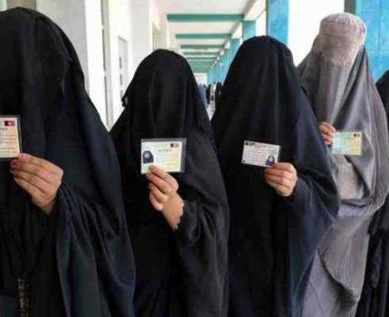 CAOS AFGHANISTAN, i talebani di AlQaeda giocano facile armati contro donne e bambini
